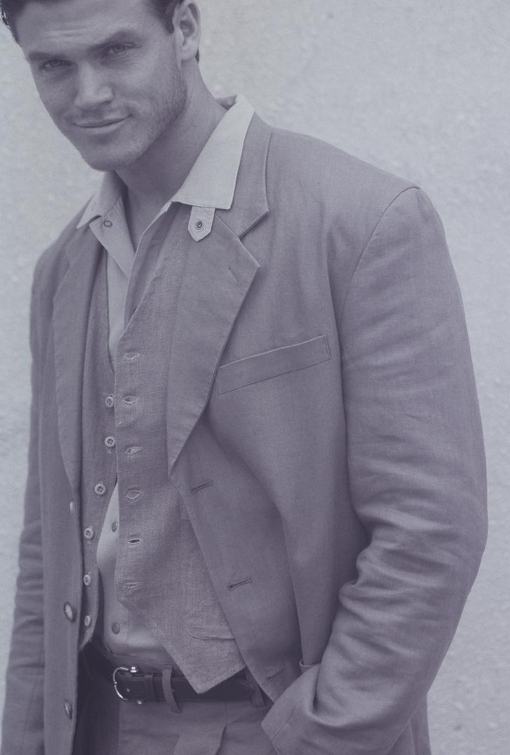 "My discovery STEVE EPLEY- INTL MODEL MILAN ITALY, stars in ""Baradi Con Todo"" campaign"