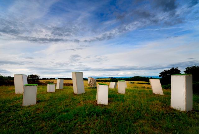 photos megalith monument1.jpg