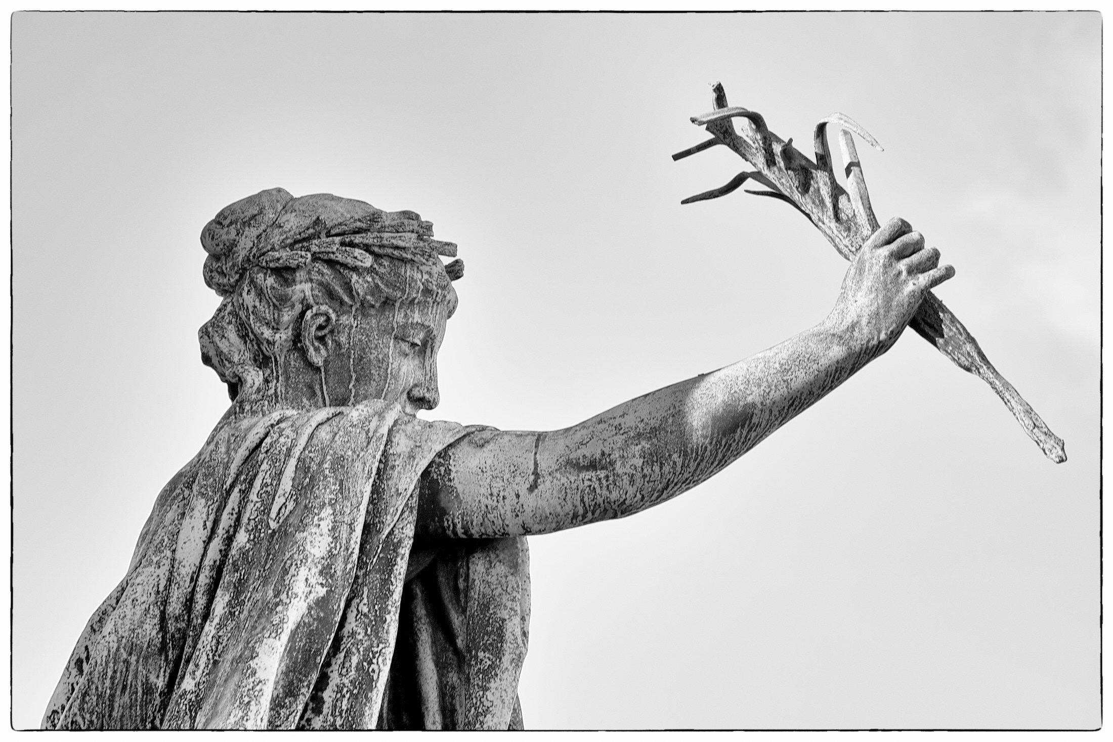 Detail, Alexander Monument, Helsinki, 2013
